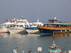 Paste in Cipru  - Turism social
