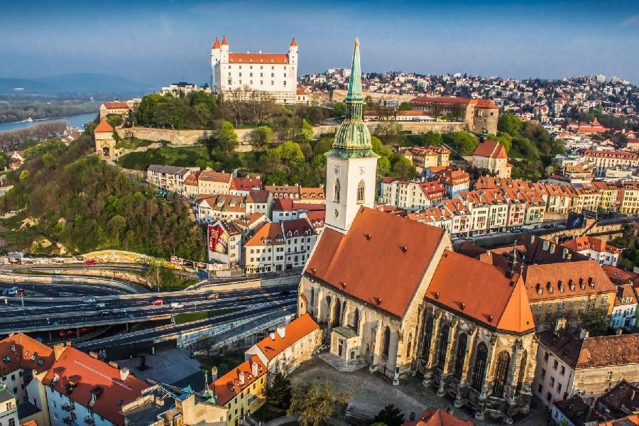 Vacanta de 1 Mai - Capitale Imperiale: Viena - Budapesta - Praga - Bratislava - Dresda